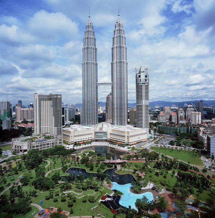 башни Петронас, Куала-Лумпур