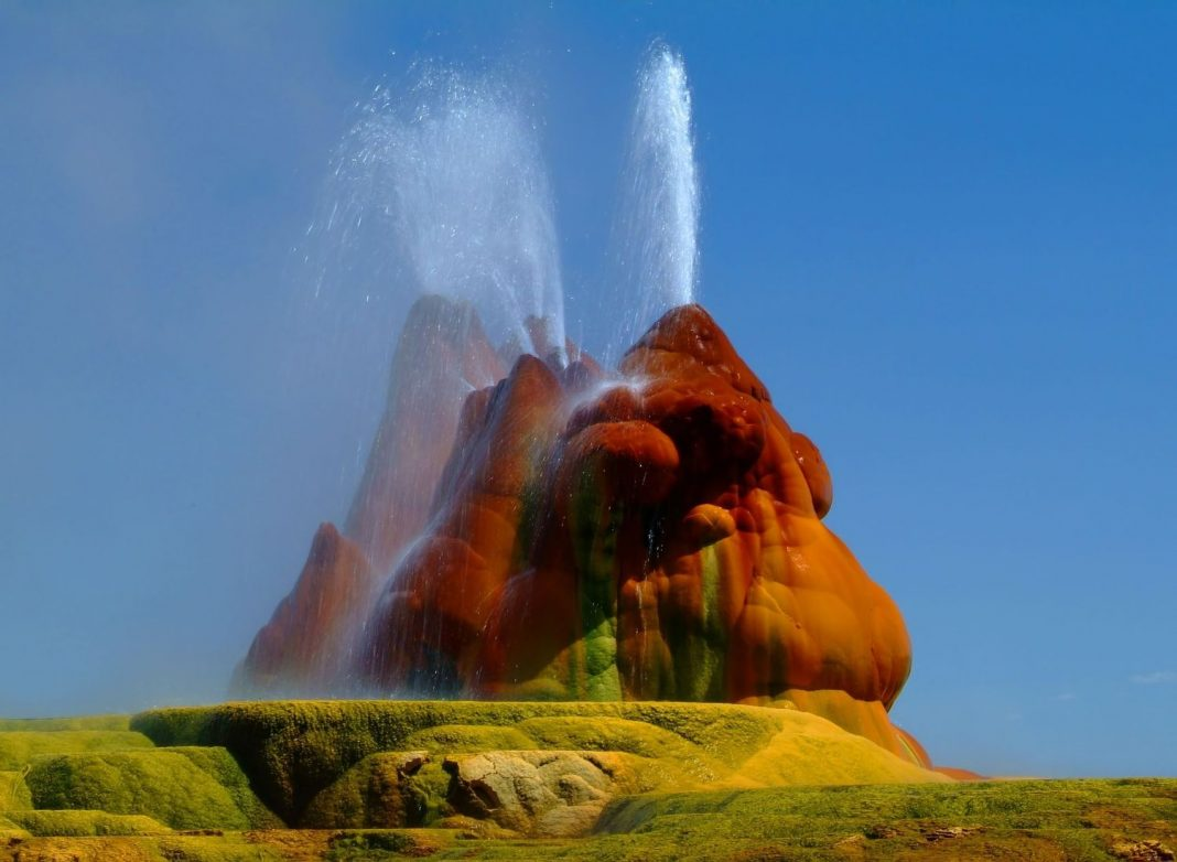Геотермальный гейзер Флай 1