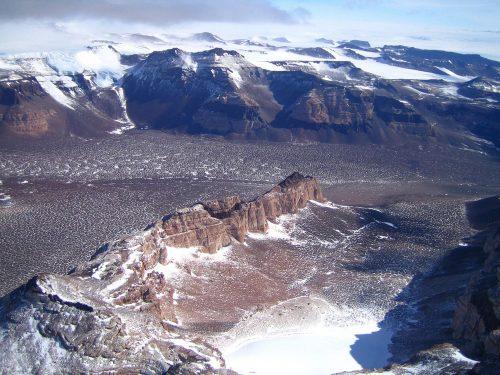 Сухие пустыни Антарктиды.
